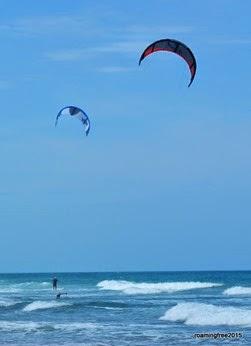 Parasail surfers