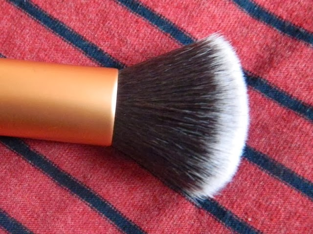 Real Techniques buffing brush review