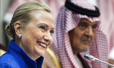 Hillary-Clinton-in-Riyadh-008