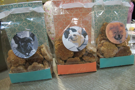 The treats were wrapped in beautiful personalized bags, decorated with our photos!