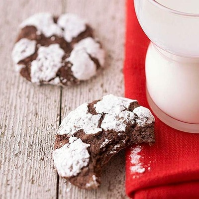 chocolate crinkle cookies at BHG