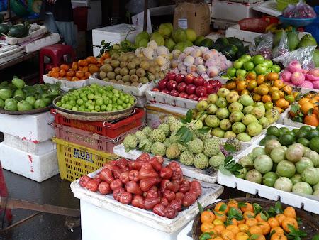112. piata fructe Hoian Vietnam.JPG