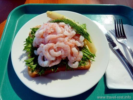 финский сендвич с креветками