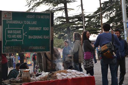 Imagini India: centrul mcleod ganj. mica Lhasa