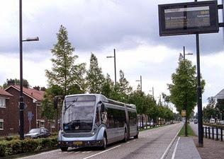 1024px-Phileas-bus-Endhoven