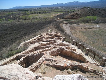 Tuzigoot and the mountains