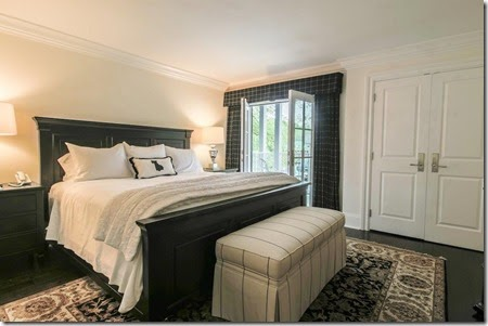 King-Suite-Bedroom