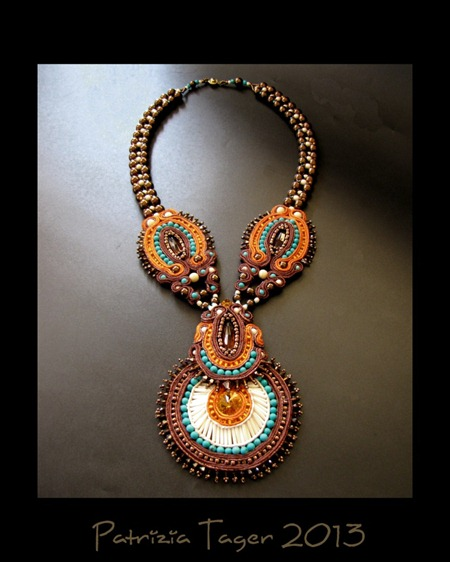 Tribal Dance Necklace Brown 03