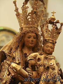 nuestra-señora-de-la-antigua-patrona-de-almuñecar-vestida-alvaro-abril-fiestas-almuñecar-2013-felicitacion-novena-procesion-maritimo-terrestre-(9).jpg