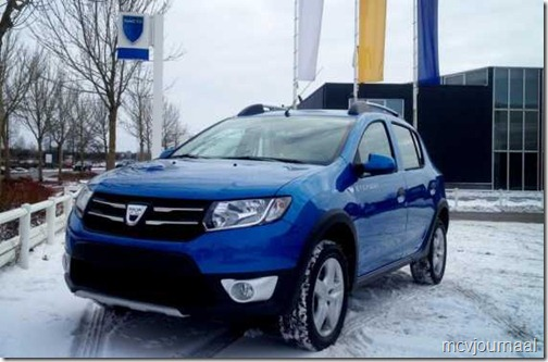 Dacia Sandero Stepway 2013 in de showroom 02