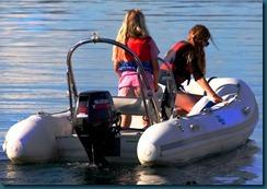 jenter i båt1