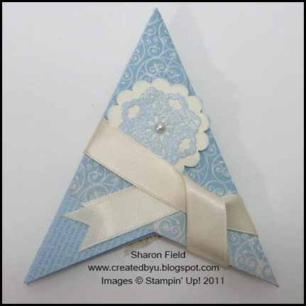blue_Christmas, Christmas, Pyramid_card, libby_Dyson, tutorial, beau_chateau, Designer_Series_Paper, punches, createdbyu_Blogspot, sharon_field, ribbon, stamps, tags_til_christmas, creative_elements, many_merry_messages, pyramid, 3D, shimmer paint, champagne