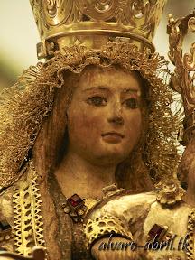 nuestra-señora-de-la-antigua-patrona-de-almuñecar-vestida-alvaro-abril-fiestas-almuñecar-2013-felicitacion-novena-procesion-maritimo-terrestre-(8).jpg