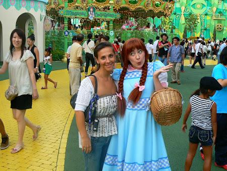 Imagini Universal Studios Osaka: Andreea Raducan cu Dorothea