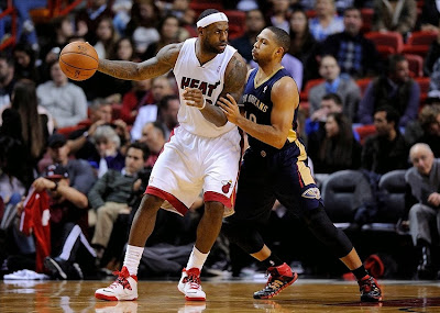 lebron james nba 140107 mia vs nop 01 LBJ Continues to Wear Nike Soldier VII with new Miami Home PE