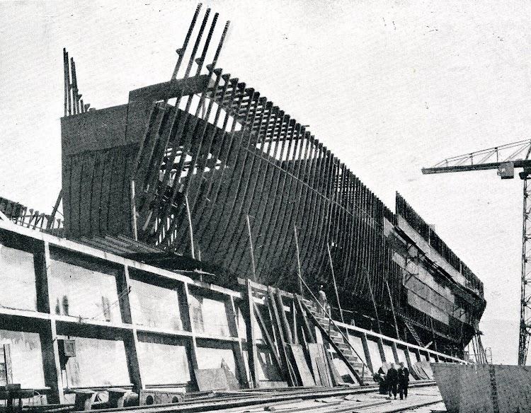 MAR NEGRO en gradas de construcción. De la revista VIDA MARITIMA. Año 1920.JPG