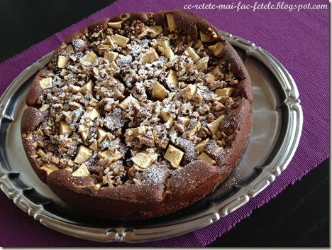 Tarta de ciocolata cu mere - pudram cu zahar