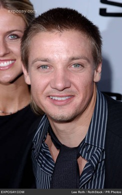 jeremy-renner-swat-movie-premiere-0MfEMA