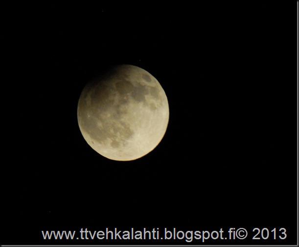täysikuu ositainen kuunpimennys 035