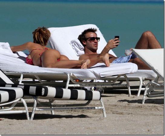 celebrity-beach-bum-38
