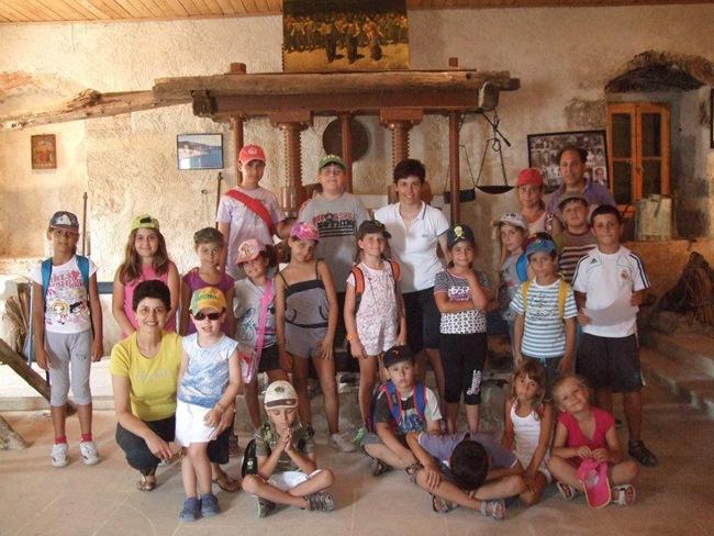 Ξενάγηση στο μουσείο των Καμιναράτων από το αθλητικό camp του Α.Ο. Ληξουρίου (φωτογραφίες και video)