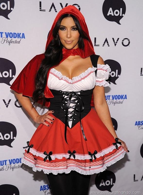 kim-kardashian-linda-sensual-sexy-sedutora-boob-peitos-decote-ass-bunda-gostosa-desbaratinando-sexta-proibida (169)