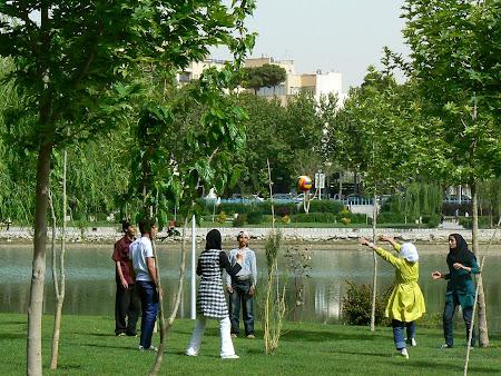 Isfahan: voleyball in Iran