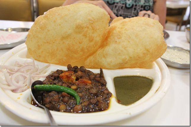 nathu's chana bhatoore