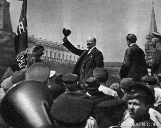 Ленин_на_параде_кпл