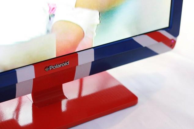 polaroid-union-jack-lcd-television-3.jpg
