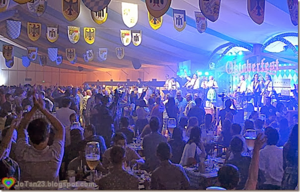 oktoberfest-2013-sofitel-party-crowd