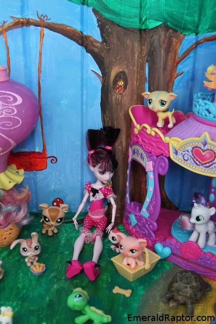 En magisk verden med Littlest Pet Shop og Draculas datter<br /> i skapet