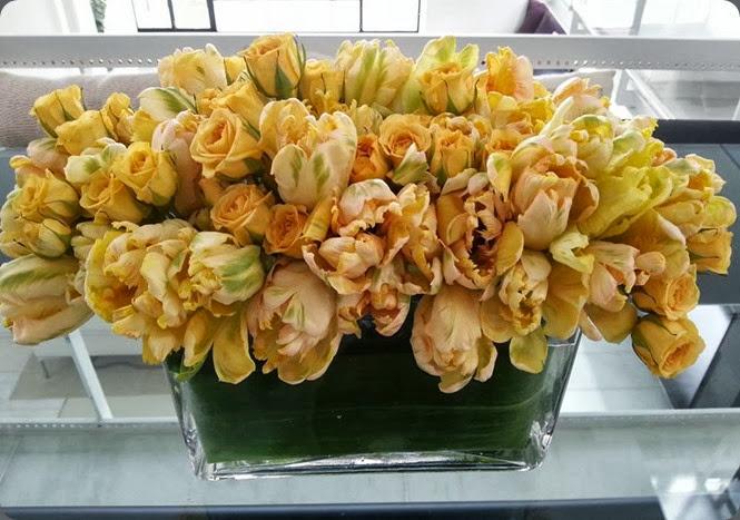tulips 971046_608867172468414_1639258603_n L'Oasis floral design