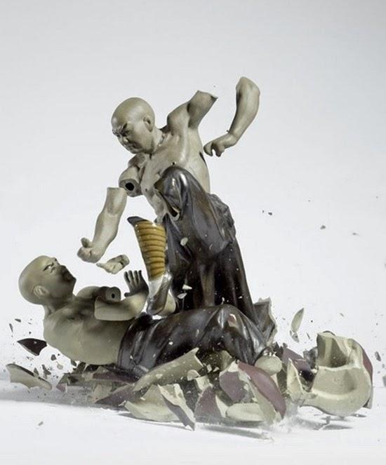 Série Porcelana quebrando 01