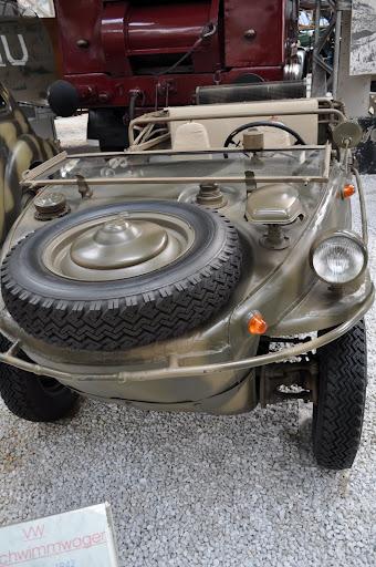 VW 166 Schwimmwagen (1942)
