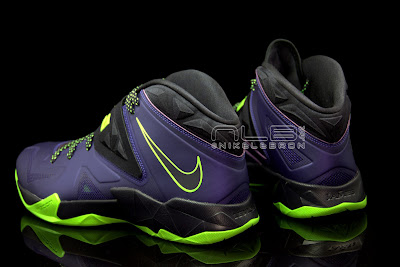 lebrons soldier7 purple volt 46 web black The Showcase: Nike Zoom LeBron Soldier VII JOKER