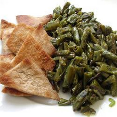 Fasoliyyeh bi z-zayt (Syrian runner beans with olive oil)