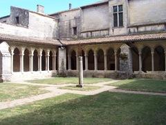 2009.09.03-040 cloître de la collégiale