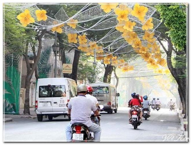 Sài Gòn rộn ràng đón xuân
