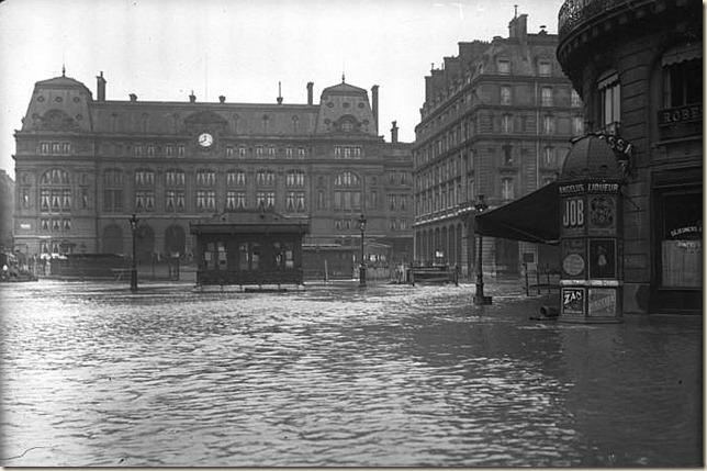 Paris_1910_Inondation_gare_Saint-Lazare