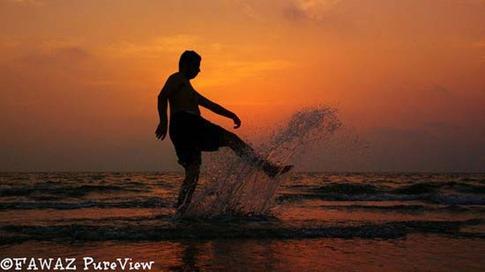 37. Hombre en el mar