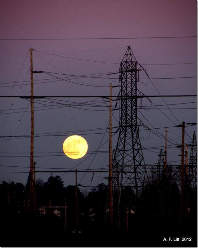 Moon.  Gresham, Oregon.  January 8, 2012.