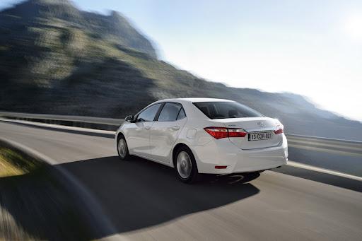 2014-Toyota-Corolla-18.jpg