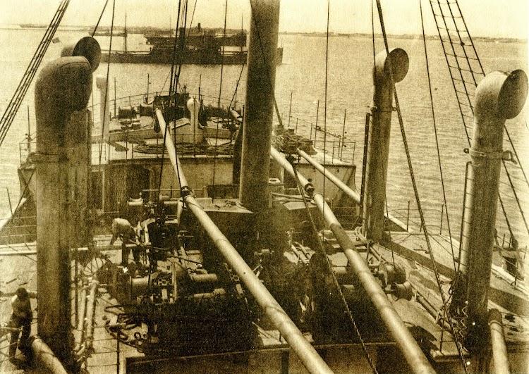 Marzo de 1922. Trabajos en cubierta de habilitación y armamento. Libro Obras. S.E. de C.N. Año 1921.jpg