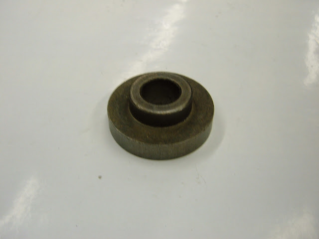 1964-66 pilot bushing for 401-425 fits GM trans, can be bored for Ford and others. 10.00
