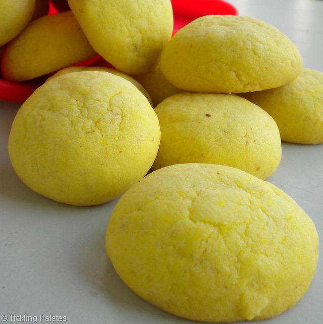 Eggless Almond Custard Cookies