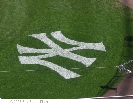 'Yankee Stadium' photo (c) 2008, Eric Beato - license: http://creativecommons.org/licenses/by/2.0/