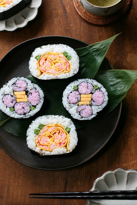 flower sushi rolls