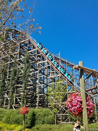100 foot drop at 60 mph  rated 9 in the country and 17 in the world for wooden coasters