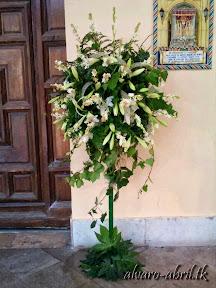 exorno-floral-para-boda-en-la-iglesia-de-sanra-maria-de-la-victoria-de-malaga-y-celñebración-(7).jpg
